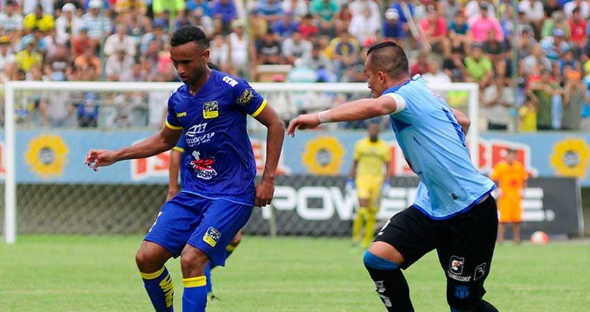 Delfín, Futbol, Campeonato Ecuatoriano,